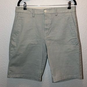 Old navy ultimate slim shorts size 32